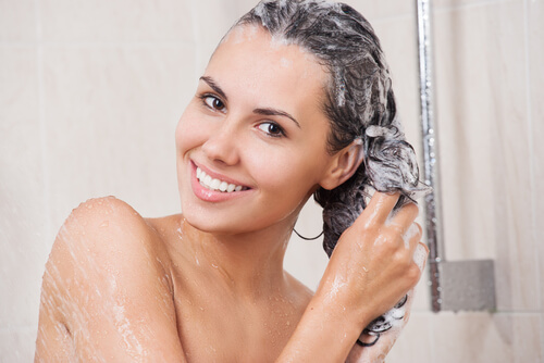 Use Anti-Dandruff Shampoos Properly
